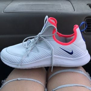 Nike woman's size 9 NEVER BEEN WORN